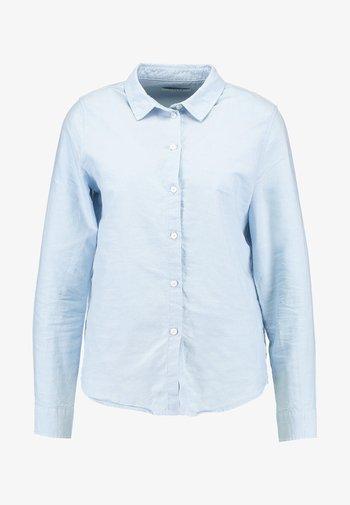 PCIRENA OXFORD  - Button-down blouse - kentucky blue