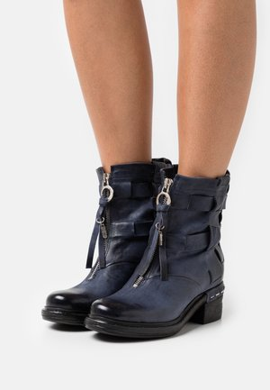 Classic ankle boots - tornado