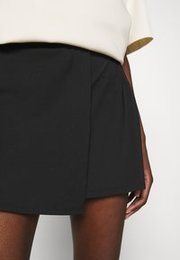 Abercrombie & Fitch - TRAVELER SKORT - Mini skirt - black - 5