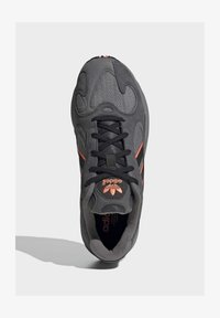 adidas Originals - YUNG-1 SHOES - Sneakers - grey - 2