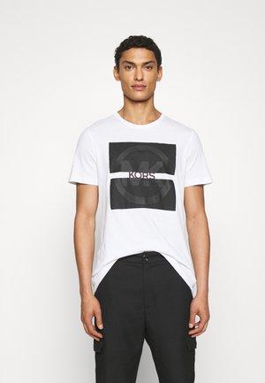 SPLIT LOGO TEE - Print T-shirt - white