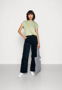 Résumé - GANILLA PANT - Relaxed fit jeans - navy - 1