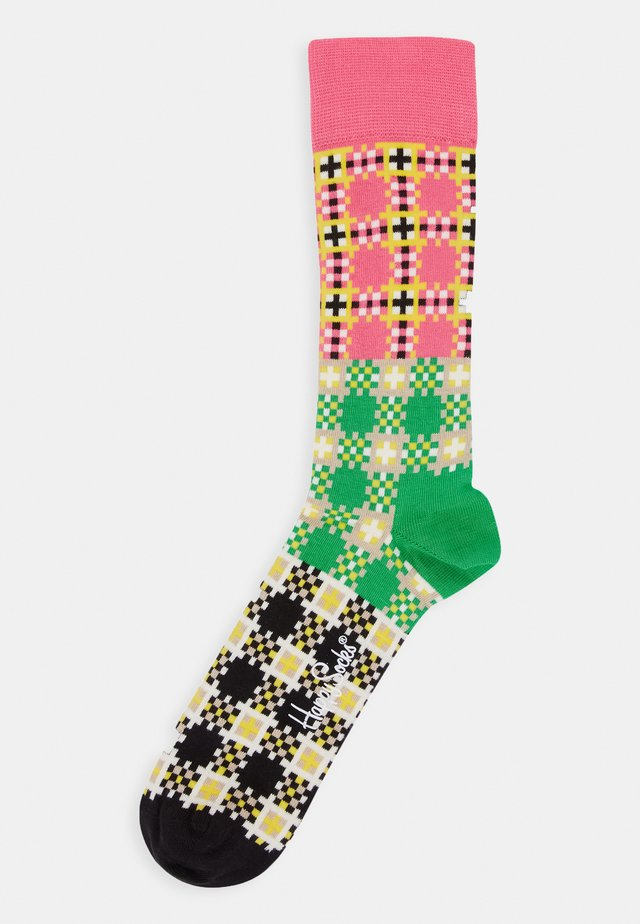 TARTAN SQUARE SOCK - Socks - medium pink