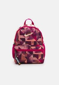 Nike Sportswear - BRASILIA UNISEX - Batoh - fireberry/crimson tint - 0