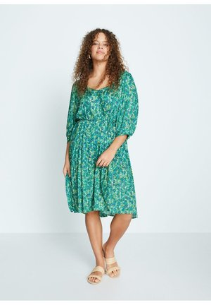 SPRING - Day dress - green