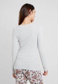 LASCANA - FASHIONABLE NIGHTS LONGSLEEVE - Nattøj trøjer - light grey - 2