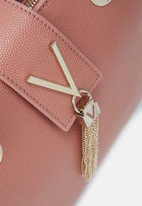 Valentino Bags - DIVINA - Handbag - rosa antico - 5