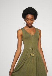Anna Field - BASIC JERSEYKLEID - Jersey dress - olive night - 3