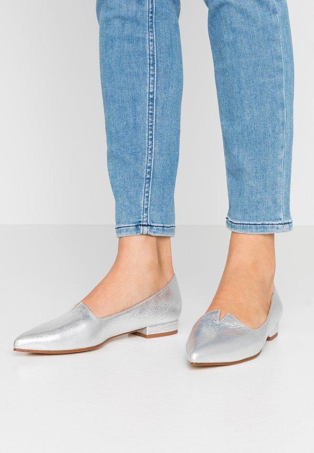 MARIE - Scarpe senza lacci - vulcano silver