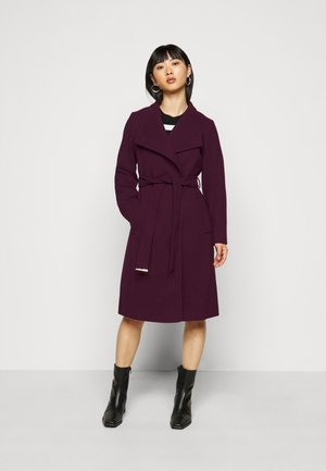FUNNEL COLLAR BELTED COAT - Mantel - oxblood