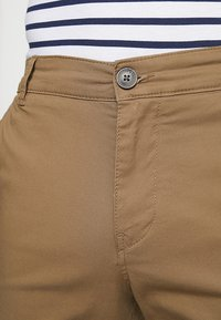 Selected Homme - SLHSTRAIGHT PARIS - Shorts - camel - 3