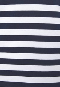 Pieces Curve - PCRIA NEW TEE - Long sleeved top - bright white/maritime navy - 6