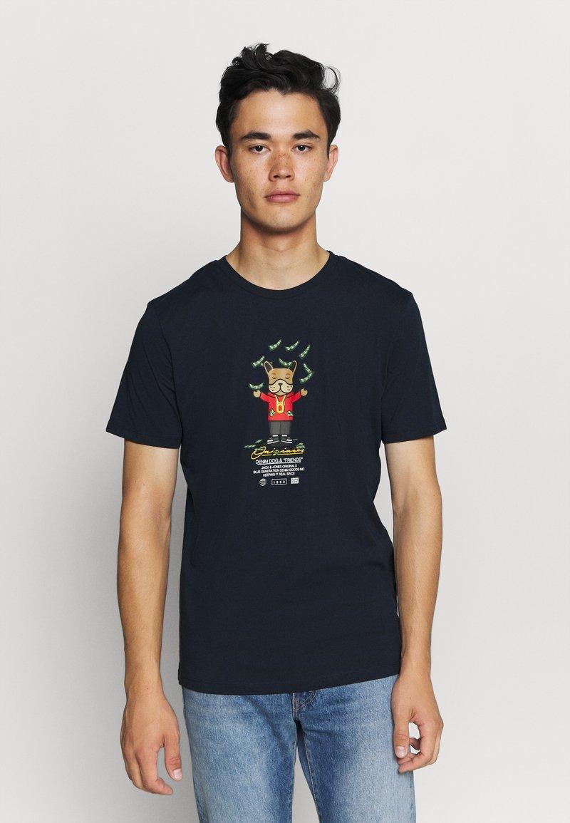 Jack & Jones - JORDENIMDOG TEE CREW NECK - Print T-shirt - navy blazer