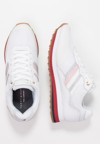 Tommy Hilfiger - CORPORATE RETRO  - Sneaker low - white - 3