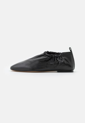 ROUCHED  - Instappers - black