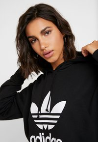 adidas Originals - ADICOLOR TREFOIL ORIGINALS HODDIE - Mikina s kapucí - black/white - 3