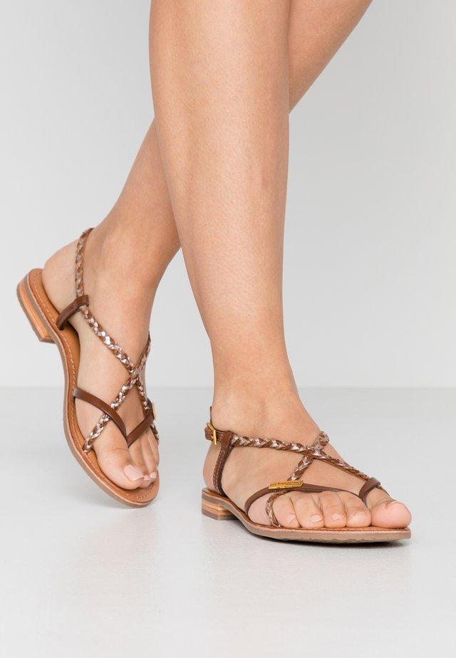 MONATRES - Sandály s odděleným palcem - tan/or