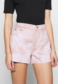 Ética - SYDNEY - Shorts di jeans - bougainvillea watercolor - 3