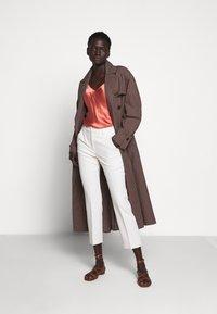 WEEKEND MaxMara - OPACO - Trousers - ivory - 1