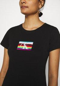 Calvin Klein Jeans - SMALL FLAG SLIM TEE - Print T-shirt - black - 5