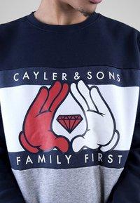 Cayler & Sons - C&S WL FIRST CREWNECK - Sweatshirt - navy/heather grey - 1