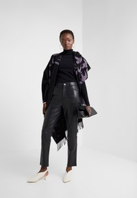 2nd Day - BOOGIE - Leather trousers - black - 1