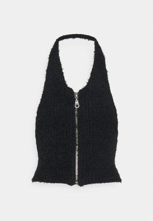 BUG HALTER - Stickad tröja - black