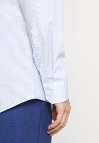 OLYMP No. Six - SUPER SLIM - Formal shirt - bleu - 4