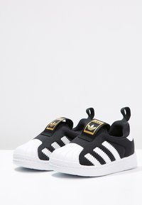 adidas Originals - SUPERSTAR 360  - Półbuty wsuwane - core black/white - 2