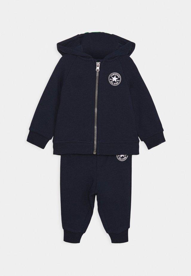 CREATURE HOODIE SET - Zip-up hoodie - obsidian