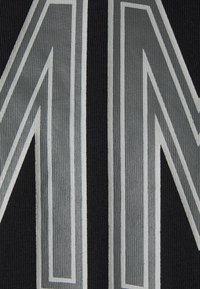 Tommy Jeans Plus - SHADOW TEE - Print T-shirt - black - 2