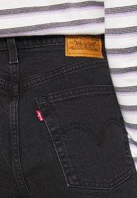 Levi's® - RIBCAGE - Denim shorts - black bayou - 4