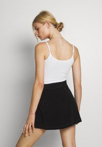 Hollister Co. - PRIDE CROP BABY CAMI - Top - white - 2