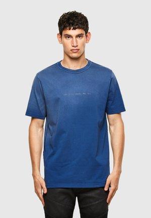 T JUBIND SLITS A - Print T-shirt - blue