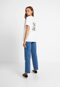 Vans - LADY STING DIY - Print T-shirt - white - 2
