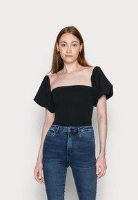 Missguided Tall - PUFF SLEEVE BARDOT  - Print T-shirt - black - 0