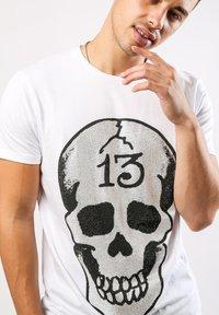 Ed Hardy - SKULL-13 T-SHIRT - Print T-shirt - white - 2