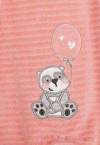 Jacky Baby - PANDA LOVE SET - Sleep suit - dunkelrosa/off white - 2
