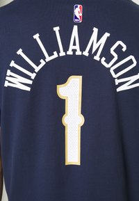 Nike Performance - NBA ZION WILLIAMSON NEW ORLEANS PELICANS NAME NUMBER TEE - Klubové oblečení - college navy - 4