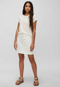 Marc O'Polo DENIM - REGULAR FIT - Basic T-shirt - scandinavian white - 1