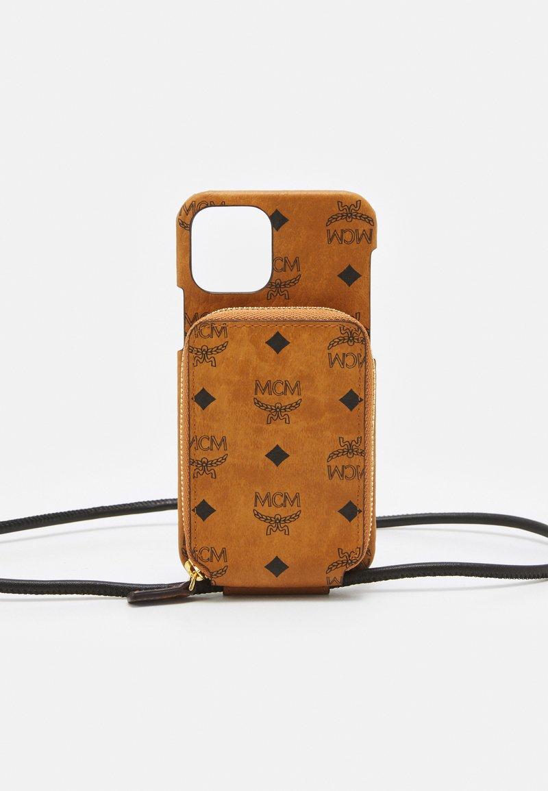 MCM - VISETOS ORIGINAL SMART PHONE CASE - Phone case - cognac