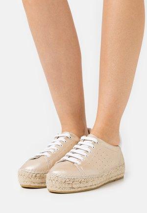 PATRI  - Zapatos con cordones - teide beige