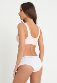 Sloggi - EVER FRESH CHEEKY HIPSTER - Slip - white - 2