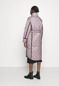Hunter ORIGINAL - WOMENS REFINED LONG QUILTED COAT - Cappotto invernale - metallicred - 2