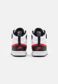 Nike Sportswear - COURT BOROUGH MID UNISEX - Sneakers hoog - white/university red/black - 2