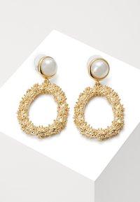 SNÖ of Sweden - LIGHT PENDANT - Earrings - gold-coloured/white - 0