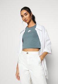 Nike Sportswear - AIR CROP - Camiseta estampada - ozone blue - 3
