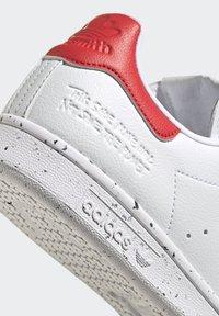 adidas Originals - STAN SMITH - Trainers - ftwr white ftwr white red - 7