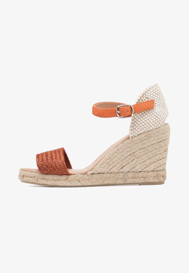 High heeled sandals - Naranja