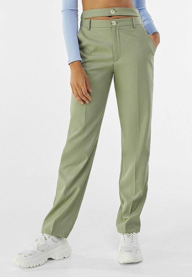 Bershka - Chino kalhoty - khaki
